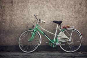 """Bei Beschwerden am Bewegungssystem werden oft pauschale Empfehlungen ausgesprochen (z.B. """"Am besten Sie fahren Fahrrad""""). Dies wird keinem Individuum gerecht."""